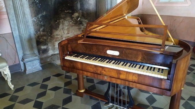 Restaurato il fortepiano nel castello di Saliceto