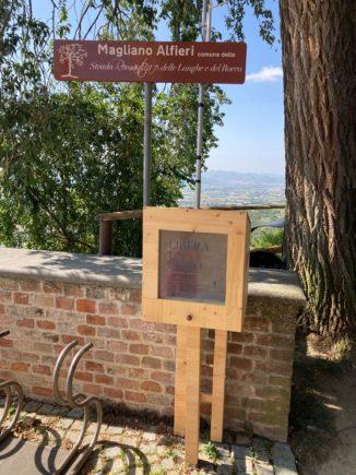Leggere Ovunque arriva sul belvedere di Magliano Alfieri 1