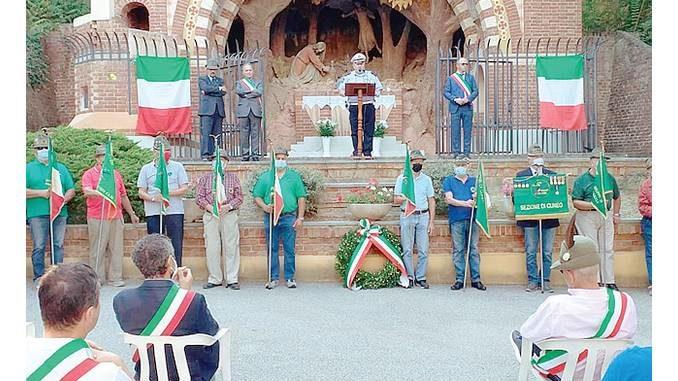 Montà: alpini, amministratori e molti cittadini alla giornata della croce luminosa