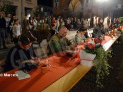 La cena medievale in piazza Duomo per gli Igers 16
