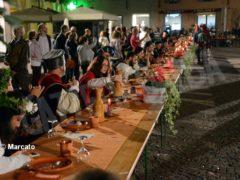 La cena medievale in piazza Duomo per gli Igers 24