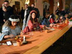 La cena medievale in piazza Duomo per gli Igers 26