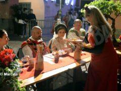 La cena medievale in piazza Duomo per gli Igers 28
