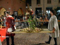 La cena medievale in piazza Duomo per gli Igers 33