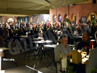 La cena medievale in piazza Duomo per gli Igers 35