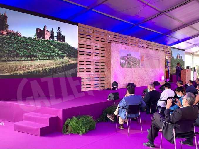 Passaggio di consegne tra Portogallo e Piemonte per la conferenza mondiale sul turismo enologico