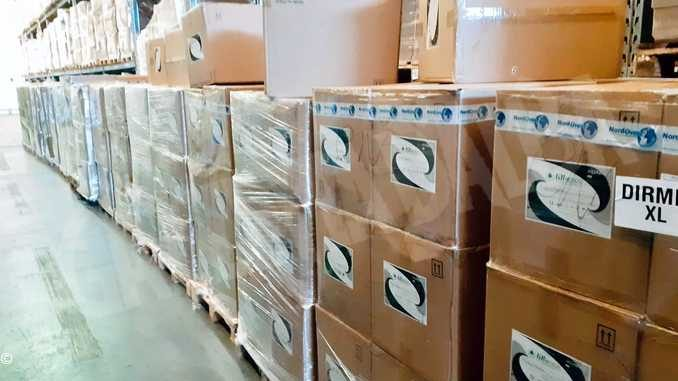 La regione distribuisce alle Rsa 3,8 milioni di pezzi tra mascherini, camici e guanti