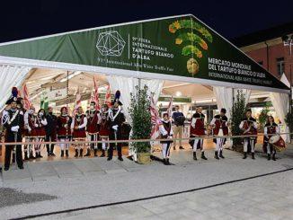 Alba: il ministro per il Sud e la Coesione territoriale e il ministro del Turismo hanno inaugurato la 91esima Fiera internazionale del Tartufo Bianco d'Alba 1