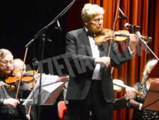 Uto Ughi per i giovani: la rassegna partirà dal Teatro sociale di Alba il 14 novembre