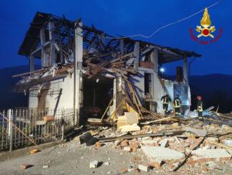 Esplosione in una palazzina a Rossana: ferito l'unico residente