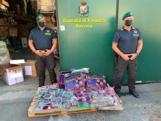 Settemila giocattoli sequestrati dai finanzieri a Cairo Montenotte