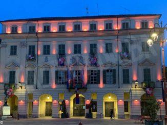 Municipio rosa a San Damiano per sostenere la lotta contro i tumori
